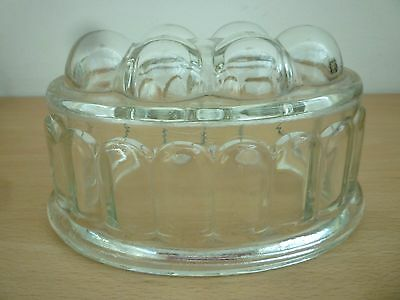 Vintage/retro Glass Jelly Mould - 1  Pint