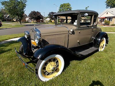 1930 Ford Model A Straw wheels and accent stripe Ford 1930 Model A Coupe