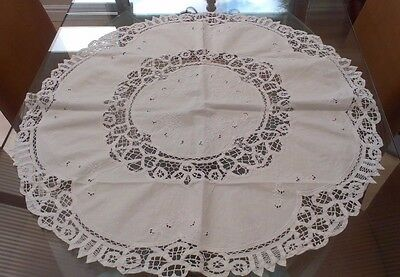 Vintage Round White Cotton And Embroidered Tablecloth With String / Tape Lace