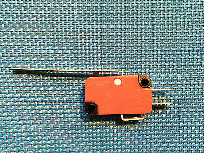Omron Micro Safety Limit Switch No / Nc  Ac / Dc V-153-1C25 Hinged Long Arm