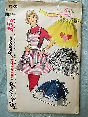 Vintage SIMPLICITY APRON Sewing Pattern 1789  Women's O/S