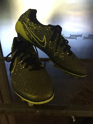 Nike Magista Soccer Boots Size 7.5
