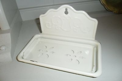 Gorgeous Vintage Shabby Chic Wall Soap Dish with Drainer Tray - Good condition
