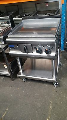 Lincat Large Heavy Duty Chrome Top Commercial Natural Gas Griddle on Stand - VGC