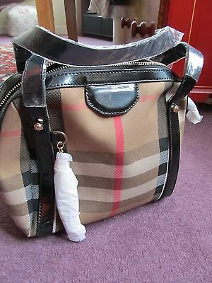 Stylish ladies hand bag