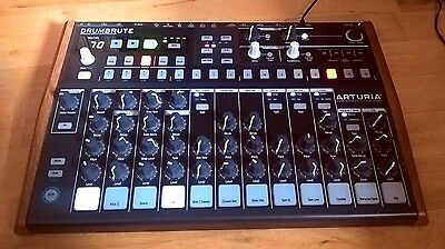 Arturia Drumbrute Analog Drum Machine - In excellent condition!