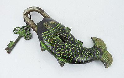 """Functional Brass Fish Pad Lock Is 2.5"""" Width and 7"""" Collectible Locks New"""