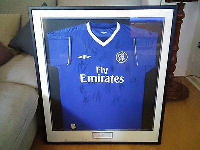 Chelsea FC - signed and framed football shirt 2004-05 Premiership Champions