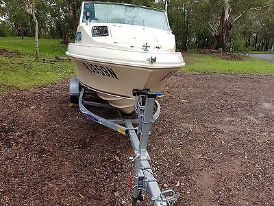 Haines Hunter Signature 1550F - 1989 Half Cabin