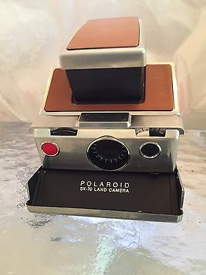 Vintage Polaroid SX-70 Land Camera w/ Leather Carrying Case