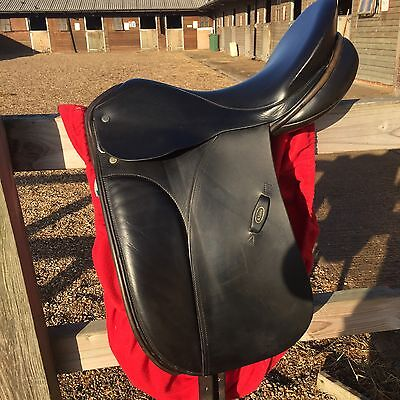 Dressage Saddle Black Leather 17.5 MN