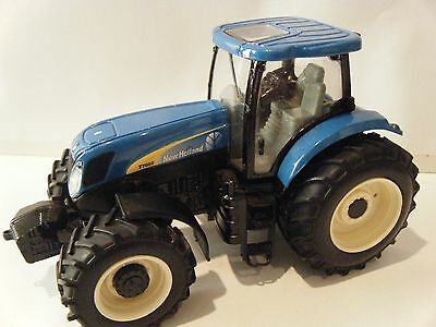 Britains/Ertl New Holland T7060 Tractor 1/32