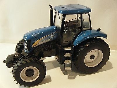 Britains/Ertl New Holland T8040 Tractor 1/32