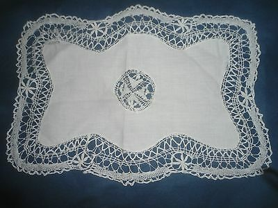 "A Gorgeous White Linen And Maltese Lace Table Centre 16.5"" X 12"""