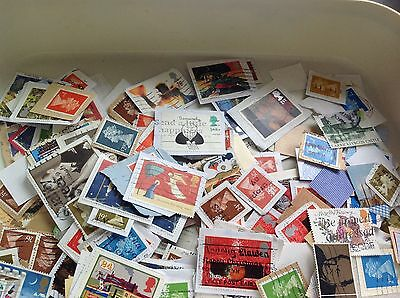 Large collection of GB stamps mostly on paper Trimmed