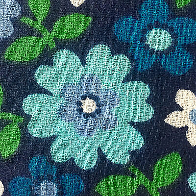 1960s/1970s VINTAGE COTTON BARKCLOTH FABRIC - FUNKY FLOWER DESIGN