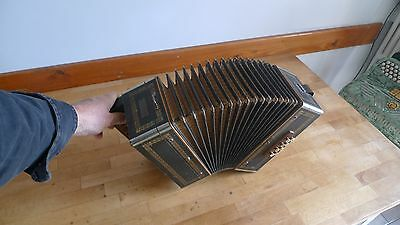 Accordéon diatonique M.Hohner assez ancien, vintage Hohner Accordion, needs care