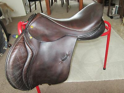 "Black Country Wexford 17.5"" Saddle M/W"