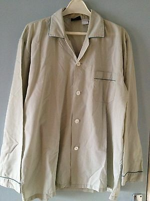 A Vintage/Retro Men's Tootal Regency Medium Poly Cotton Night Shirt Pale Green