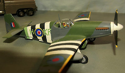 HAND-BUILT P-51B Mustang Invasion Stripe Escort Fighter 1/48 scale Great Looking