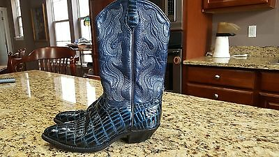 Western Boots Leather uppers black blue very decorative nice size 7.5