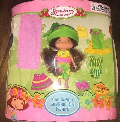 Strawberry Shortcake - Coco Calypso with Berry Fun Fashions Playset - Very RARE.