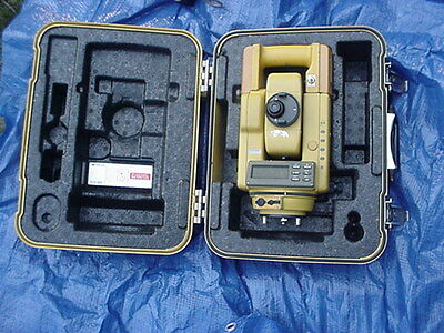 """Vintage Topcon Gts-302D 3"""" Total Station For Surveying & Construction Hard Case"""