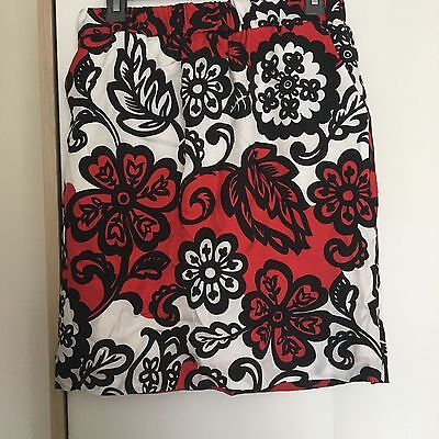 Size 10 Boden Red and White Floral skirt - Quirky Blogger