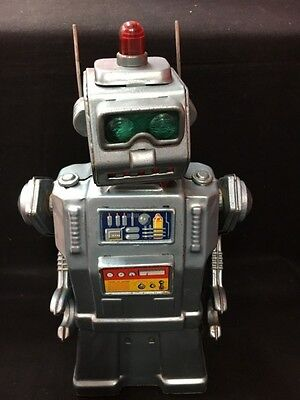 Rare Vintage Yonezawa Tin Toy DIRECTIONAL ROBOT Latter Period Battery-operated