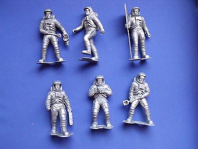 "Marx Us Astronauts Recast Silver 6"" Six Different Positions, Flag Etc."