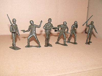 """Marx American Soldiers Recast 6 Pieces 3"""" 1950's Six Classic Green Soldiers"""