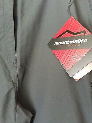 Womens mountain life convertible trousers Size 18
