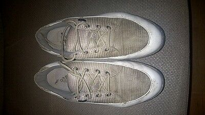 Womens Adidas Golf Shoes.  Size: 6 Uk.  Good Condition
