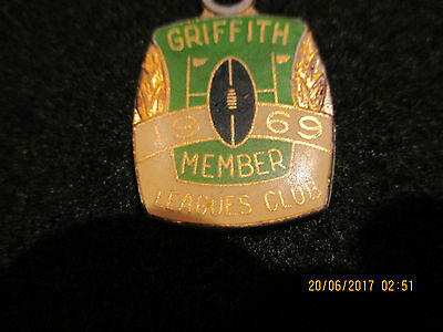 1969 Griffith  Rugby League Club  Member 892 Angus &  Coote Sydney  Badge