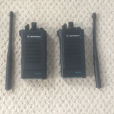 2x Motorola Astro Saber I (H04KDC9PW5AN) DVI-XL Encrypted VHF Two Way Radios
