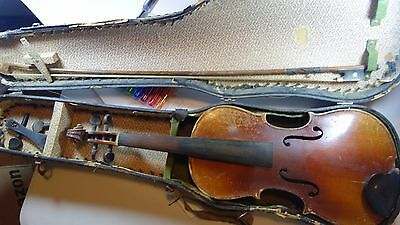 ANTIQUE OLD CZECH 3/4 (or 7/8?) VIOLIN FOR REPAIR W/BOW & CASE. VERY, VERY OLD!