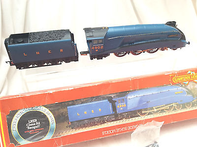 00 Hornby R374 Class A4 Seagull 4902 Locomotive & Tender - Boxed