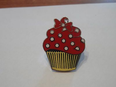 Minnie Mouse Character  Cupcake Disney Trading Pin!!