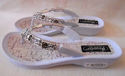 7a4182f8641a3e GRANDCO SANDALS WHITE Silver Bling GEMSTONES BEADS Beach Pool DRESSY Flip  Flops