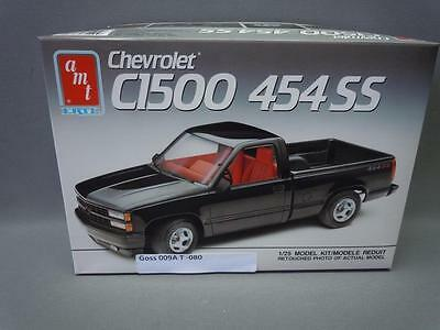 AMT Chevrolet C1500 454 SS Pickup 1/25 Scale Model Car Kit # 6032 Opened