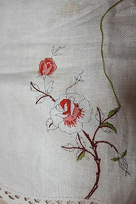 Rare VTG Traced linen Centre to complete to embroider - Roses 39 x 26 cm SEMCO