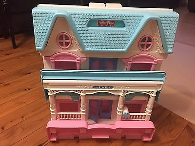 Vintage Fisher Price Loving Family 6364 Doll House