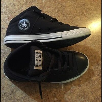 Youth mid top Converse size 4