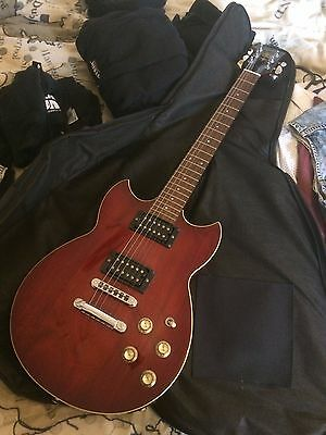 Yamaha Electric Guitar SG 500B RARE AND IN EXCELLENT CONDITION
