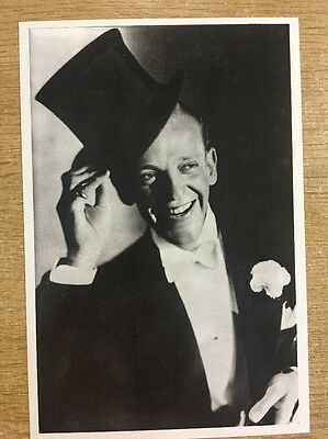 VINTAGE POSTCARD - Fred Astair Black and White Photo
