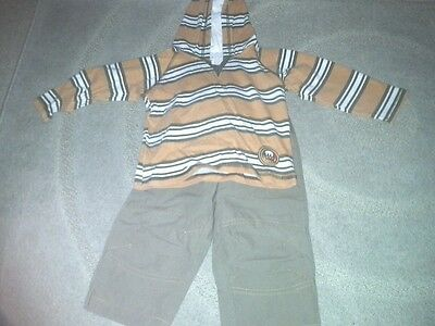 Baby boys 2 x piece outfit,  hoody top and trousers 12-18mnths