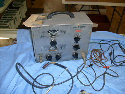 VINTAGE EICO SIGNAL GENERATOR MODEL 324 FROM RADIO ESTATE / g1