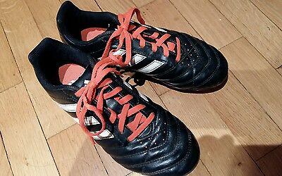 baskets crampons plastique foot rugby T36 tbe Adidas