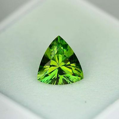 Demantoid precision cut 1.14ct eye clean - 7.59 x 7.07 x 3.73 mm