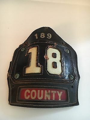 FIREMAN VINTAGE HELMET BADGE  Made by CAIRNS AND BRO (18)